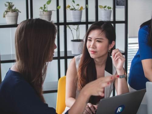 Build Better Business Relationships through Effective Listening